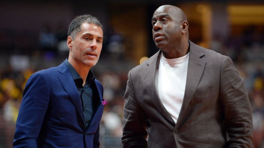 Report: Lakers won't hire a president to replace Magic Johnson