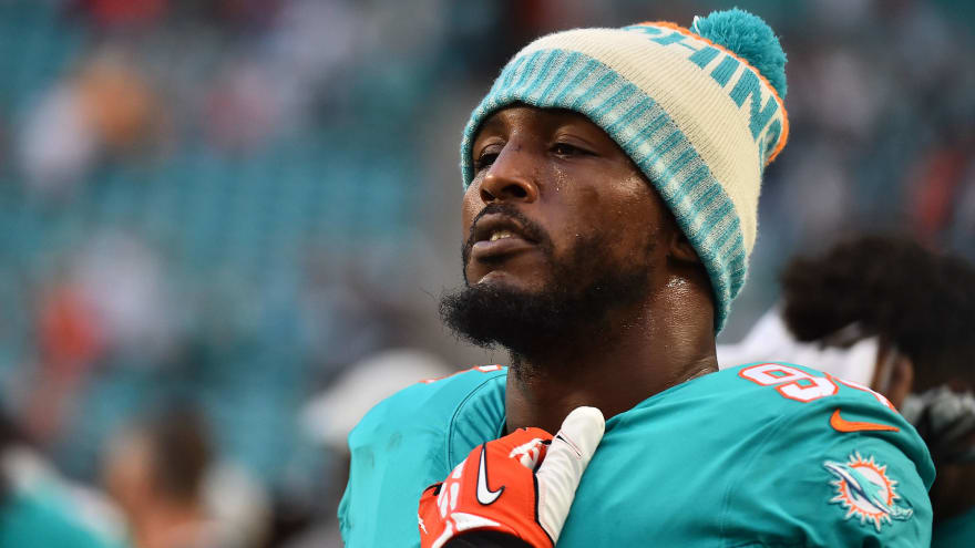 Report: Dolphins willing to eat salary in Robert Quinn trade