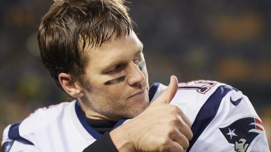Details emerge on Brady's injury: 'Right thumb bent back badly'