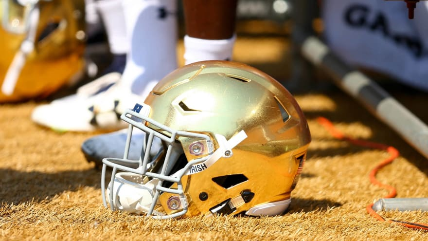 5326ccdbc Notre Dame to pay homage to Yankees on Saturday