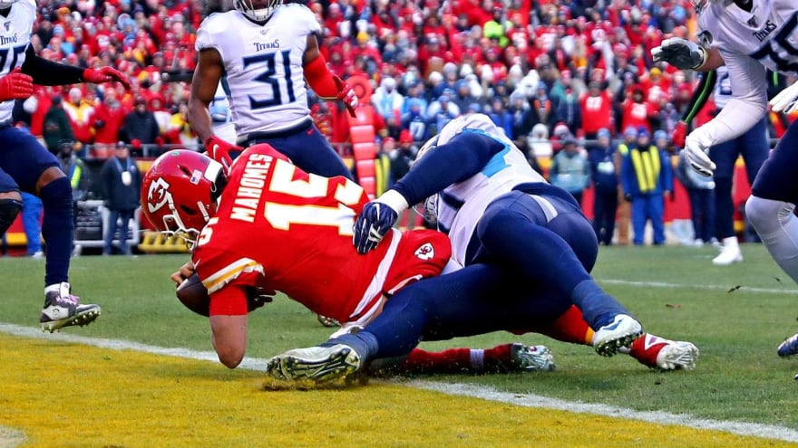 Watch: Patrick Mahomes somehow stays inbounds on beastly TD run
