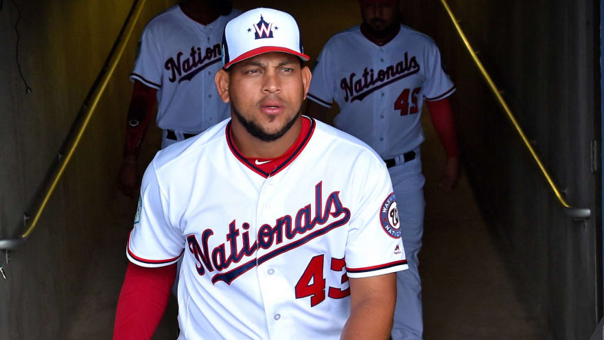 Nationals relying on mannequin to navigate uniform combos