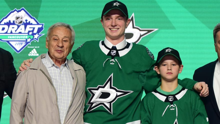 Stars sign first-round pick Thomas Harley to three-year, entry-level deal