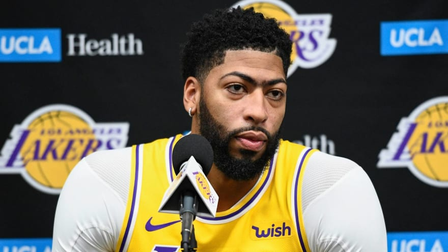 Anthony Davis believed to have Grade 1 thumb sprain, no ligament damage