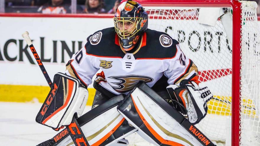 Ducks re-sign veteran G Ryan Miller to one-year, $1M deal