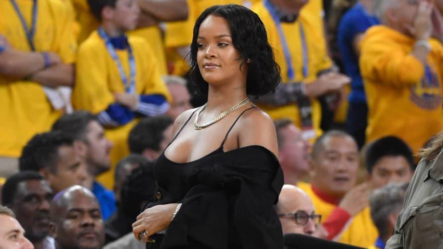 NBA Referee Hotline Bling: Rihanna calls 'Brick' | Yardbarker