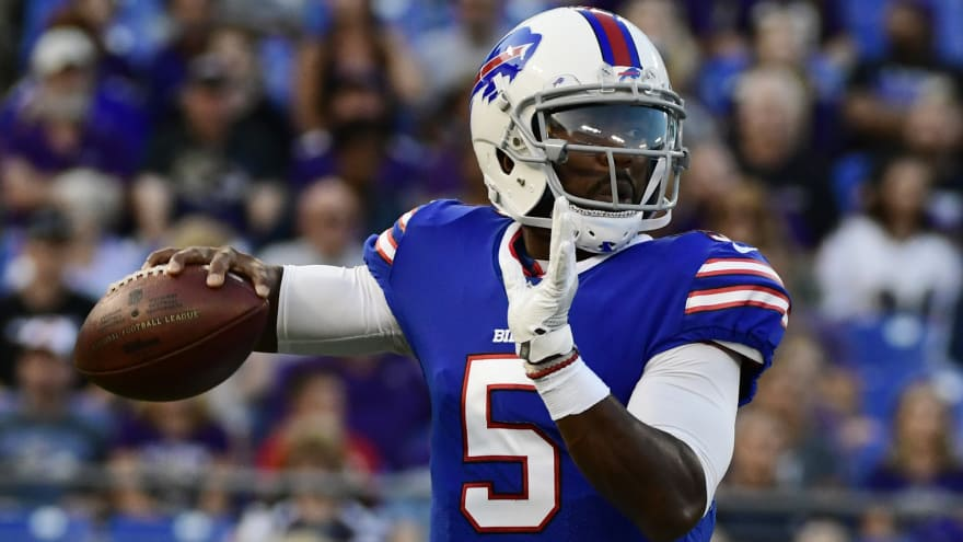 sneakers for cheap 28d34 a6fae Bills QB Tyrod Taylor leaves game with concussion ...