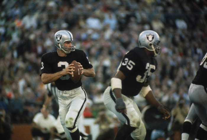 Super Bowl II: Bart Starr, Green Bay Packers, and Daryle Lamonica, Oakland Raiders