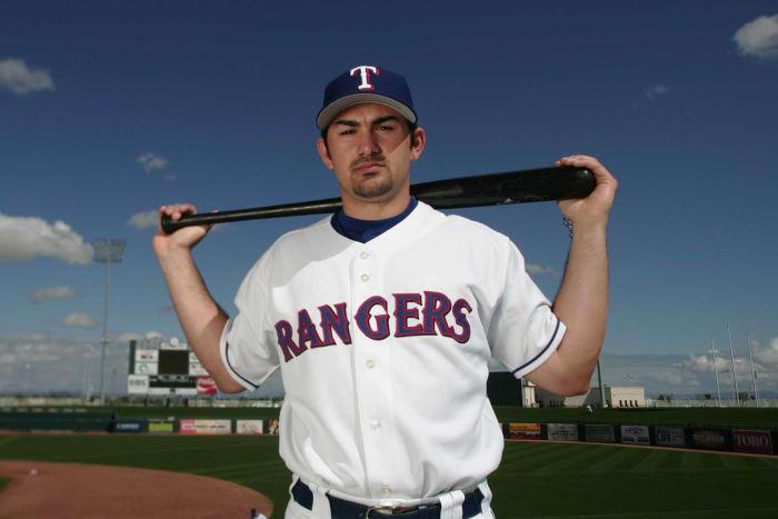 2003: Marlins cambia a Adrián González por Ugueth Urbina por los Rangers
