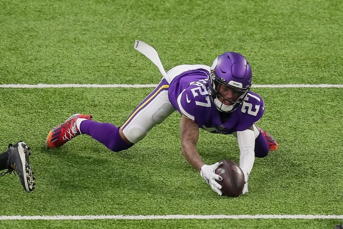 Less flashy Vikings rookie keeps them in playoff race