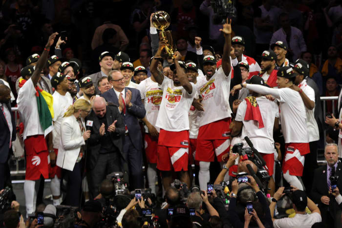 Kawhi, Raptors bring NBA title north of the border