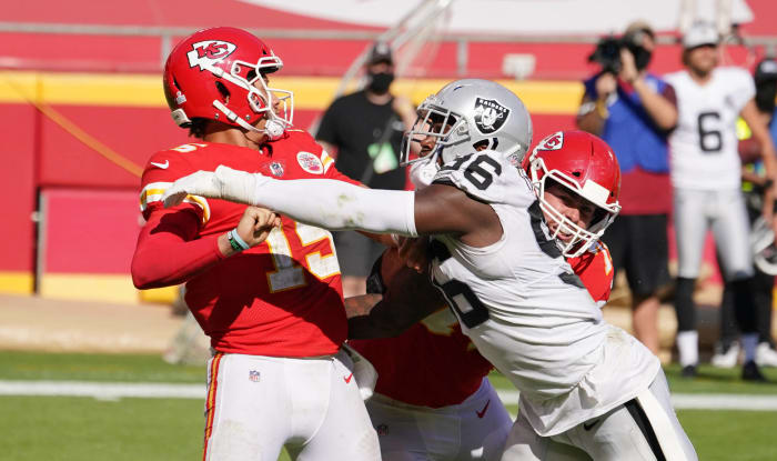 Raiders stop Mahomes from igniting Big 12-level shootout