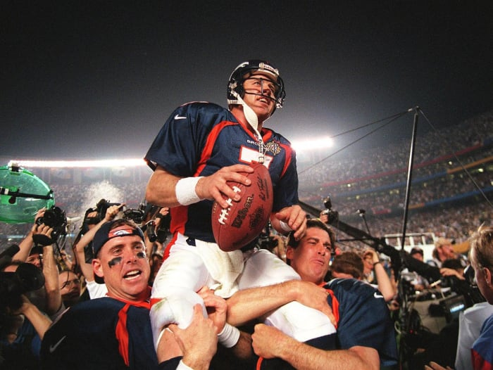 Super Bowl XXXII: John Elway, Denver Broncos, and Brett Favre, Green Bay Packers