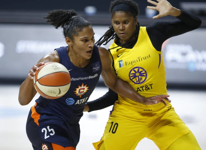 Connecticut Sun K.O. Los Angeles Sparks in WNBA playoff surprise