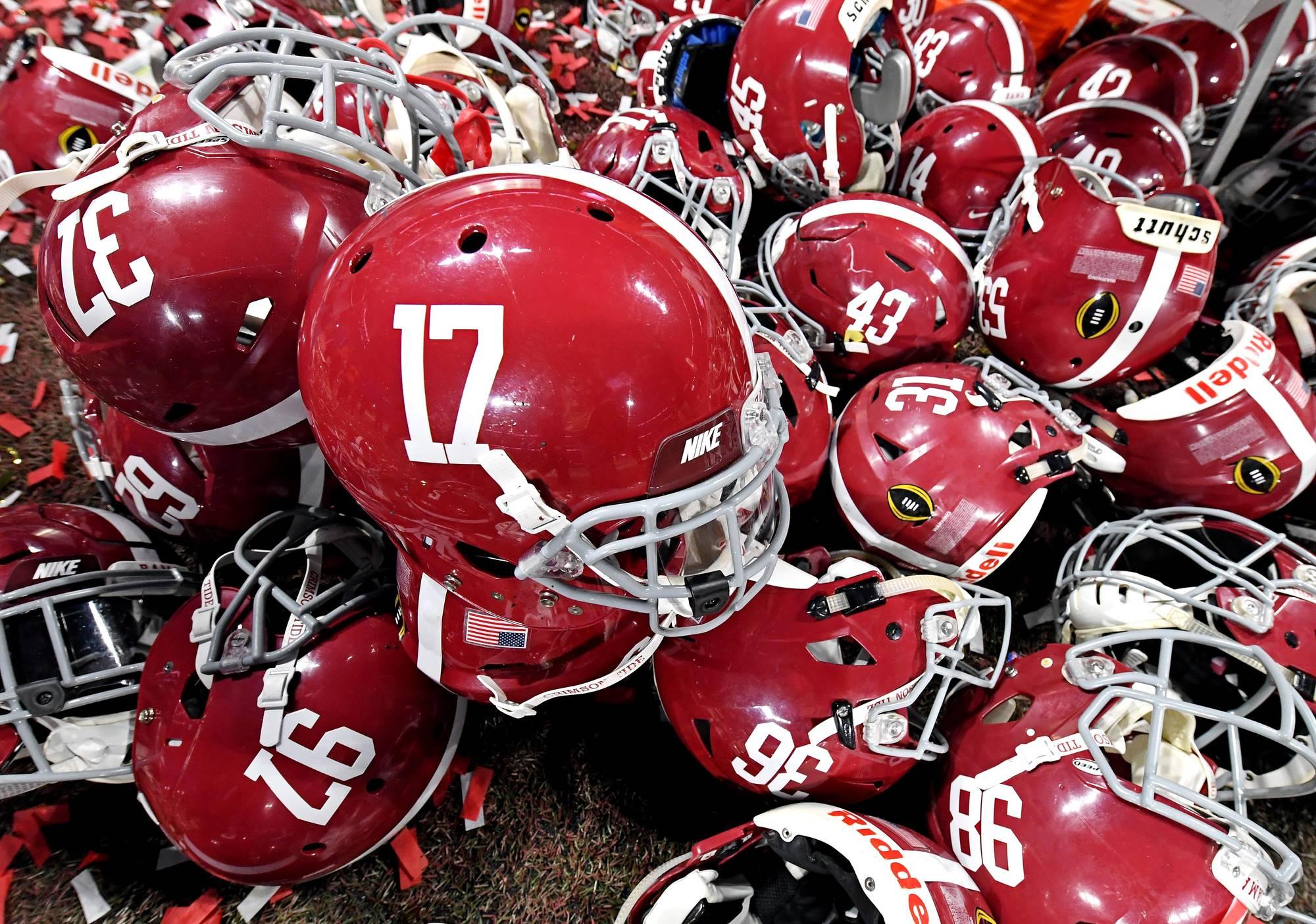 Alabama, Notre Dame Reportedly Discussing Football Series | Yardbarker.com